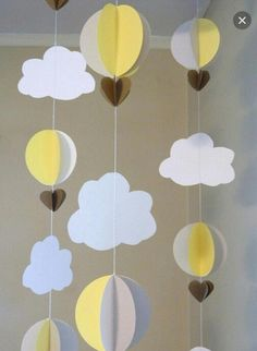 Artículos similares a Up up and away Baby Shower Decor / Hot air balloon decorations / Yellow and Gray Nursery Decor / Hot Air Balloon mobile - DIY en Etsy Diy Nursery Decor, Baby Nursery Diy, Yellow Nursery, Diy Baby, Hot Air Balloon Paper, Baby Balloon, Balloon Birthday, Bridal Shower Tables, Baby Banners