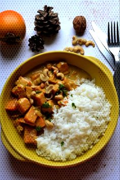 #végétarien #butternut #courge #rôtie #curry #lait #coco #sent #hum #ça #bon #de Curry de courge butternut rôtie lait de coco - Hum, ça sent bon ...You can find How to cook squash and more on our website.Curry de c... How To Cook Squash, Best Cat Food, Chana Masala, Risotto, Sent Bon, Cooking, Ethnic Recipes, Four, Butternut Squash Curry