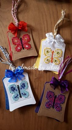 Tiny Cross Stitch, Butterfly Cross Stitch, Cross Stitch Boards, Cross Stitch Bookmarks, Cross Stitch Animals, Embroidery Cards, Cross Stitch Embroidery, Cross Stitch Patterns, Cross Crafts