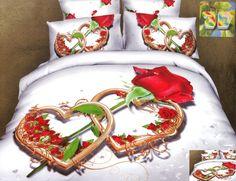 Pościele białe na łóżko z różą i dwoma serduszkami
