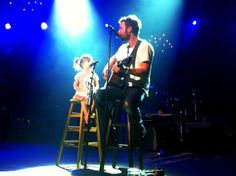 Dierks Bentley singing with his daughter