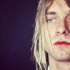 Kurt Cobain Photos, Nirvana Kurt Cobain, Kurt Tattoo, Beautiful Men, Beautiful People, Nirvana Songs, Donald Cobain, Sing To Me, Janis Joplin