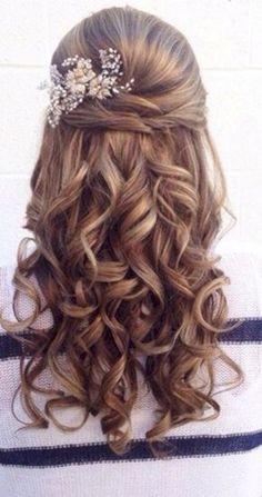 Beautiful bridesmaid hairstyles half up ideas 05