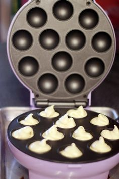 How To Make Cake Pops With The Babycakes Cake Pop Maker - Tips, Tricks & Resources - Love From The Oven