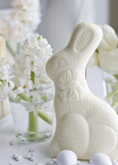 holiday with matthew mead - easter - white easter - a white bunny can be part of a floral table runner Hoppy Easter, Easter Gift, Easter Bunny, Easter Eggs, Easter Decor, Easter Centerpiece, Easter Chocolate, White Chocolate, Chocolate Rabbit