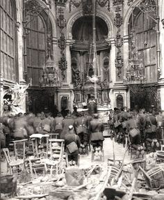 Art Mass is held in the ruins of a church at Cambrai, France, October 1918.  ARCHIVES OF ONTARIOC224-0-0-10-39 historic-photos-world-war-one