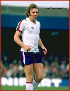 Tony Currie - England - Biography of his England football career.