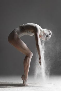 Photographer Uses Flour to Create These Explosive Dance Movements