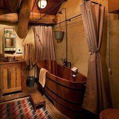 Home and Garden: Et pourquoi pas une baignoire en bois ? Western Bathroom Decor, Western Bathrooms, Cabin Bathrooms, Primitive Bathrooms, Rustic Bathrooms, Rustic Cabin Bathroom, Cowboy Bathroom, Western Decor, Rustic Bathtubs