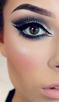 Party Abschlussball Marineblau und Silber Augen Make-up - Prom Makeup For Brown Eyes Navy Eye Makeup, Glitter Eye Makeup, Prom Makeup, Love Makeup, Simple Makeup, Wedding Makeup, Makeup Tips, Beauty Makeup, Makeup Looks