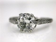 Vintage Engagement Ring- sooo pretty!  I hope Richard knows to buy me one like this :)