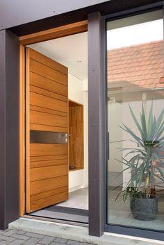 La porte d'entrée nativ NATIV 8: Dimension, vitrage, performance, décoration, coloris et finitions, serrure, sécurité... Personnalisez le design de votre porte d'entrée nativ NATIV 8 ! Zilten, le spécialiste des portes d'entrée