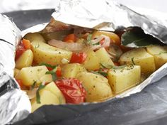 Recipes - Potato and groentepapillot Spicy Recipes, Potato Recipes, Cooking Recipes, Healthy Recipes, Cobb Bbq, Look And Cook, Dinner Side Dishes, Vegetarian Lifestyle, Portuguese Recipes