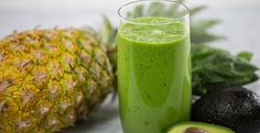 Green Pineapple Paradise Smoothie Half of an alligator pear, aka avocado, offers a rich creaminess to this satisfying smoothie. Easy Smoothie Recipes, Blender Recipes, Easy Smoothies, Fruit Smoothies, Healthy Recipes, Juicer Recipes, Free Recipes, Sea Breeze Recipe, Alligator Recipe
