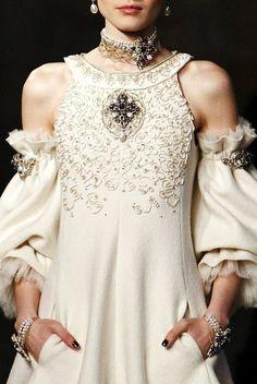 Chanel Pre-Fall 2013 #elizabethan beauty