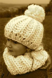 Les 7 meilleures images du tableau bonnet sur Pinterest   Knitting ... 8d380146d2e
