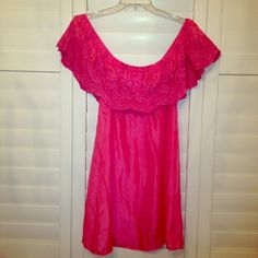 Adorable Pink Ruffled Top, 100% silk Flirty and feminine silk dress/tunic can be worn off the shoulder or on the shoulder depending on your mood. I am short 5' so this is dress length but on taller gals it will be more like a tunic. Absolutely chic with skinnies! NWOT. Size is not marked however I wear a medium and it fits. Vintage Glam Soul Tops