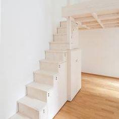 Hochbett mit japanischer Stiege in Fichte , weiß lasiert.: minimalistische Schlafzimmer von Individual Furniture