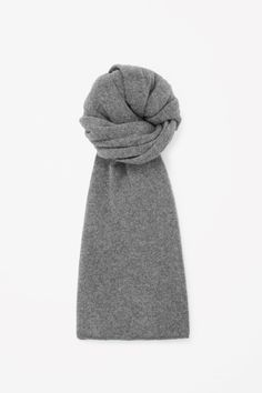 COS | Cashmere scarf, just got it as a gift, matching the beanie I got last season!