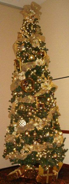 Grinch Christmas Tree. He has his eye on something! Roxy Wagner ...