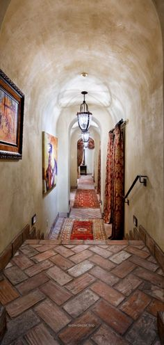 Exotic Cool Courtyard with Natural Stone and Brick Decoration : Cool Traditional Hall Decor Floral Curtain Courtyard Hacienda Spanish Revival, Spanish Colonial, Spanish Style, Tuscan Design, Tuscan Style, Ceiling Texture, Textured Ceiling, Terracotta Floor, Italian Home