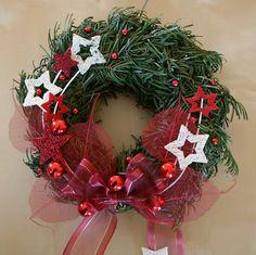 Vánoční věneček červený na dveře