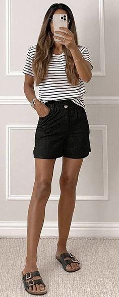 Mode Birkenstock, Casual Shorts, Short Dresses, Mini Skirts, Women, Fashion, Short Gowns, Moda, Fashion Styles