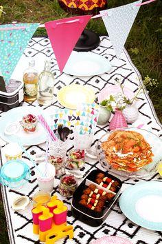 IKEA Deutschland| Midsommar Picknick Mit Vielem Leckeren Essen.