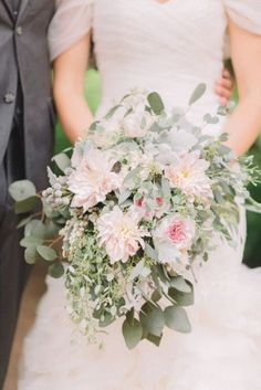 Wedding Bouquets Inspiration : Gorgeous bouquet: www.stylemepretty   Photography: Aly Caroll  www.alycarrol