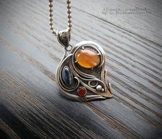 """Кулон """"Тайны сердца"""", серебро 925, сердолик, кианит, р-р 3 х 3,5 см."""