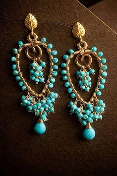 Earrings turquoise.