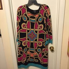 Nicole Miller dress XL Light-weight dress that stops right past the elbows and can come to your knees or calves (depending on your height) Nicole by Nicole Miller Dresses Long Sleeve