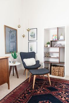 Love a well-styled corner.