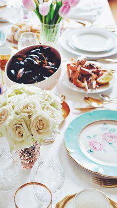 mussels, fries, & white roses // elegant dinner party