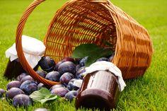 Výborná bezpracná švestková povidla Preserves, Pickles, Stuffed Mushrooms, Food And Drink, Basket, Sweets, Cheese, Vegetables, Recipes