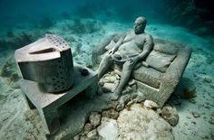 Underwater sculpture park Mexico