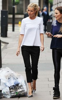 Two-tone from Celebrity Street Style Gwyneth Paltrow sports a billowing white blouse, cropped pants and cool printed pumps on a morning walk in London. Mode Masculine, Mode Outfits, Casual Outfits, Casual Pants, Fall Outfits, Black And White Outfit, Black White, Mode Simple, Looks Black