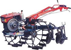 Traktor adalah salah satu mesin yang sangat berguna bagi para petani untuk digunakan untuk membajak sawah