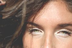 Easy Beauty Trick: How To Brighten Your Eyes