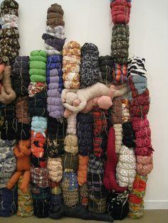 'Dooomestic' par Annette Messager, musée d'Art moderne de Paris