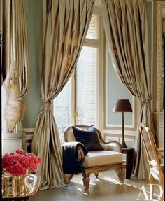 Find home décor inspiration at Architectural Digest. Everything you'll need to design each and every room in your house, from the kitchen to the master suite. Home Decoracion, Beautiful Paris, Beautiful Wall, Interior Decorating, Interior Design, Paris Apartments, French Decor, Architectural Digest, My New Room