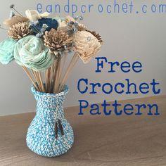 Pattern: Flower Vase - Evelyn And Peter Crochet Crochet Vase, Crochet Gifts, Crochet Flowers, Easy Crochet, Free Crochet, Flower Patterns, Pattern Flower, Crochet Patterns, Crochet Home Decor
