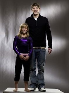 Shawn Johnson and Michael Phelps (this has to be one of my favorite pictures of all time :D)