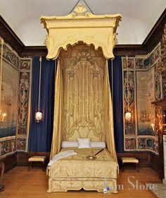 Queen Caroline's Bedchamber at Hampton Court Palace | London, England... via Tam Stone...