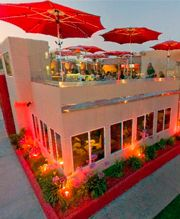 #Firehouse in #PacificBeach gives you the best views of the ocean while dining. There isn't a bad time to come to this #retro-American eatery. You get the cozy vibe of San Diego beaches and the swanky feel of Miami. www.firehousepb.com