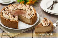 Cappuccino cheesecake, cotto al forno con caffè, cacao e panna. Un dolce americano facile e veloce da preparare. Una ricetta che piacerà a chi ama il caffè.
