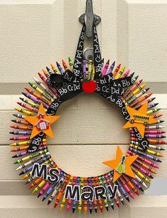 How to make a crayon wreath.