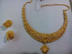 Gold Jewellery Design, Gold Jewelry, Jewelery, Gold Designs, Gold Ornaments, Antique Necklace, Gold Necklaces, Gold Set, India Jewelry
