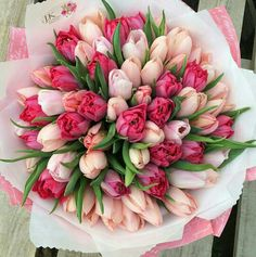 54 Trendy Ideas For Birthday Flowers Tulips Beautiful Bouquet Of Flowers, Tulips Flowers, Amazing Flowers, Flowers In Hair, Spring Flowers, Planting Flowers, Beautiful Flowers, Pink Flower Arrangements, Tulip Bouquet