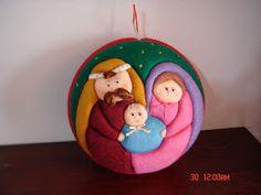 Christmas Makes, Felt Christmas, Christmas Holidays, Christmas Crafts, Christmas Decorations, Xmas, Beaded Christmas Ornaments, Felt Ornaments, Quilted Ornaments